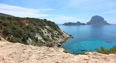 شاطىء جزيرة اس فردا احدى جزر الباليريك بإسبانيا